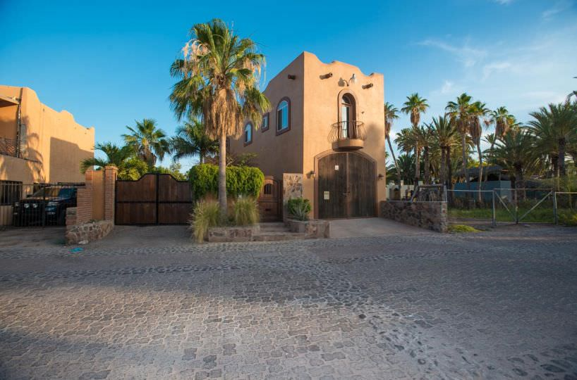 Great Turn Key Property in Loreto Two bedrooms Two Bath Front of Casa (2)