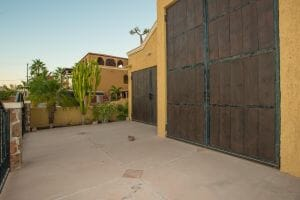 Dream House Near the Sea in Loreto: Garage