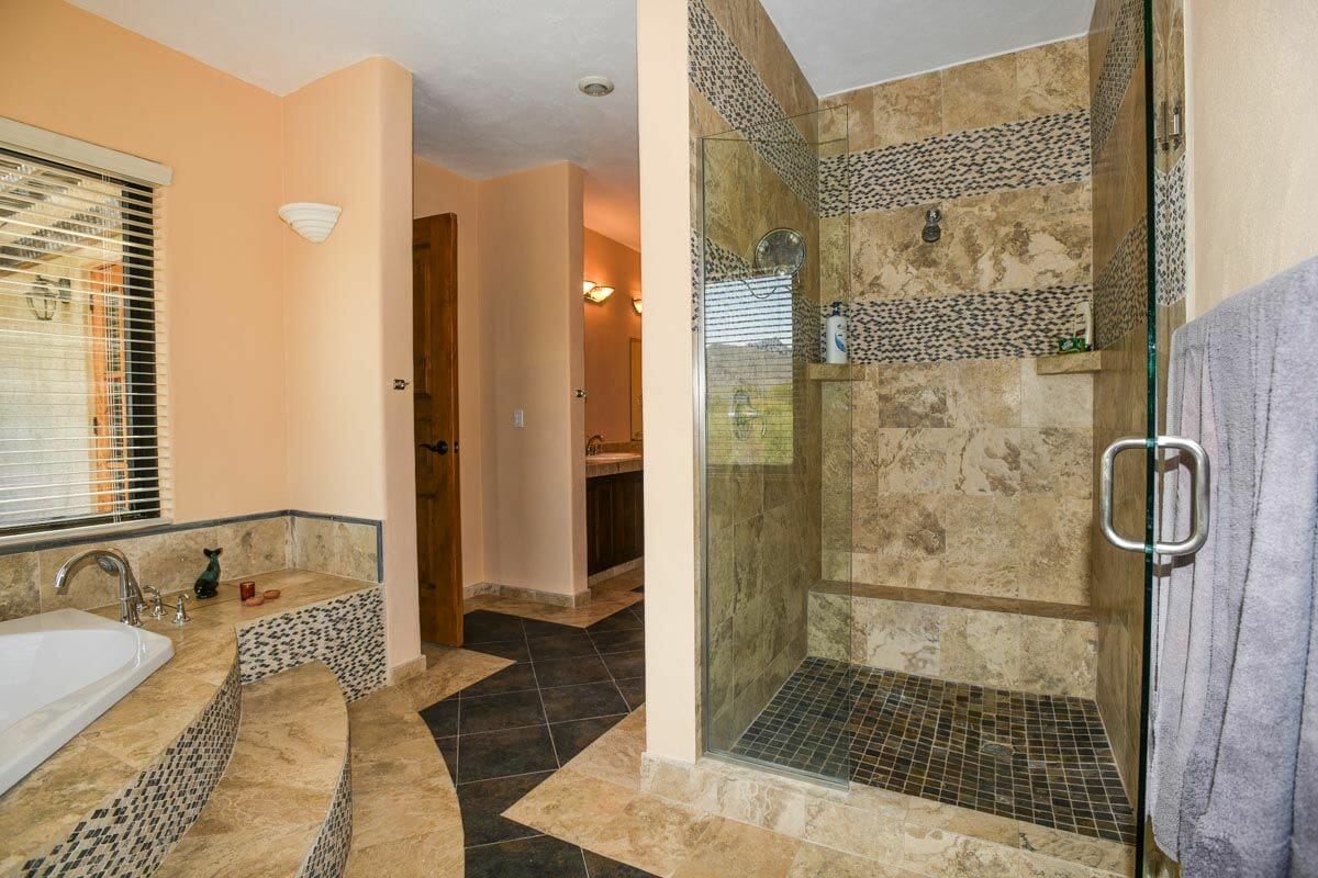 Home for sale in Nopolo, Loreto Baja Sur, Move in Ready!: master bath with tub and shower