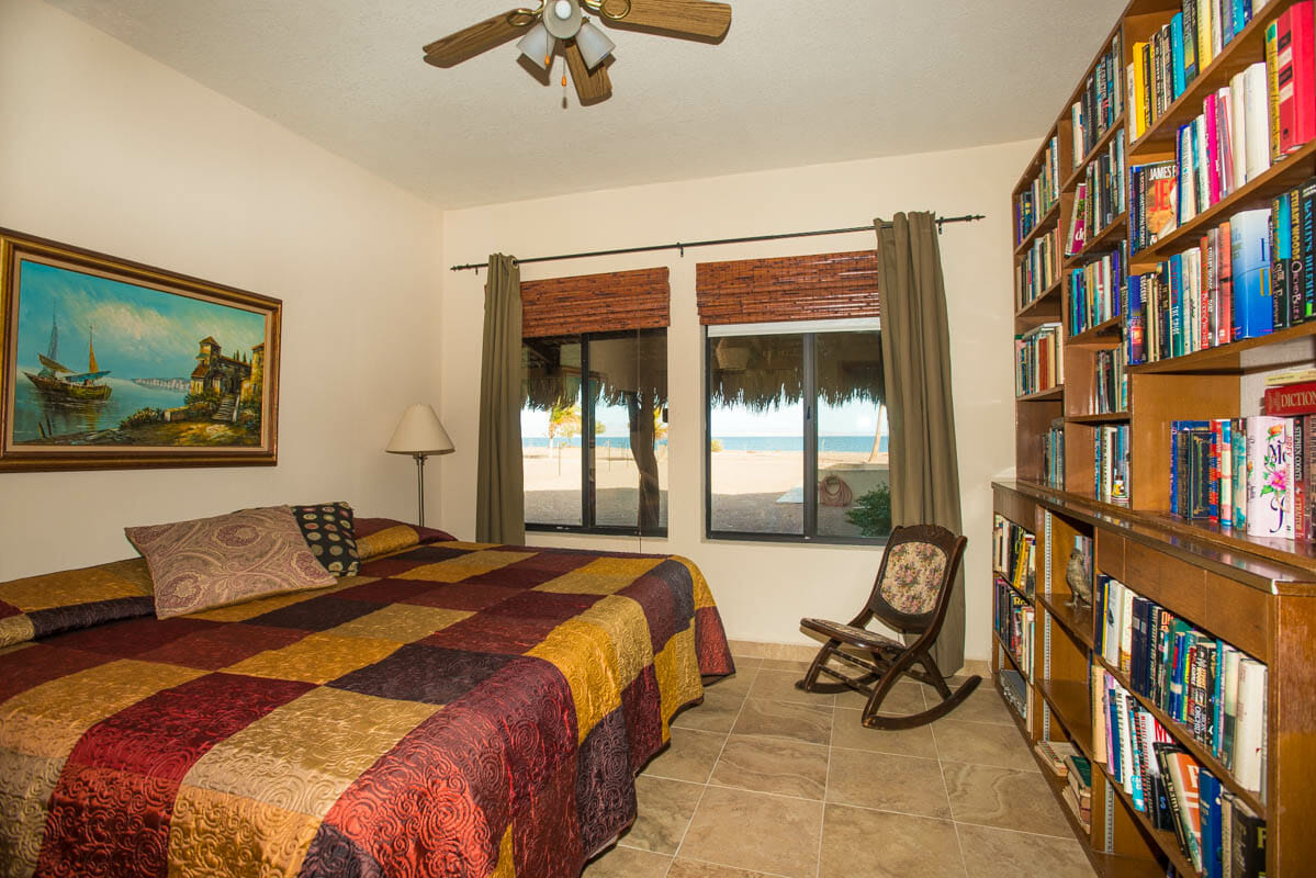 84 Davis St Mil Palmas El Bajo Loreto, Baja Sur Beachfront House in Loreto Baja guest bedroom downstairs