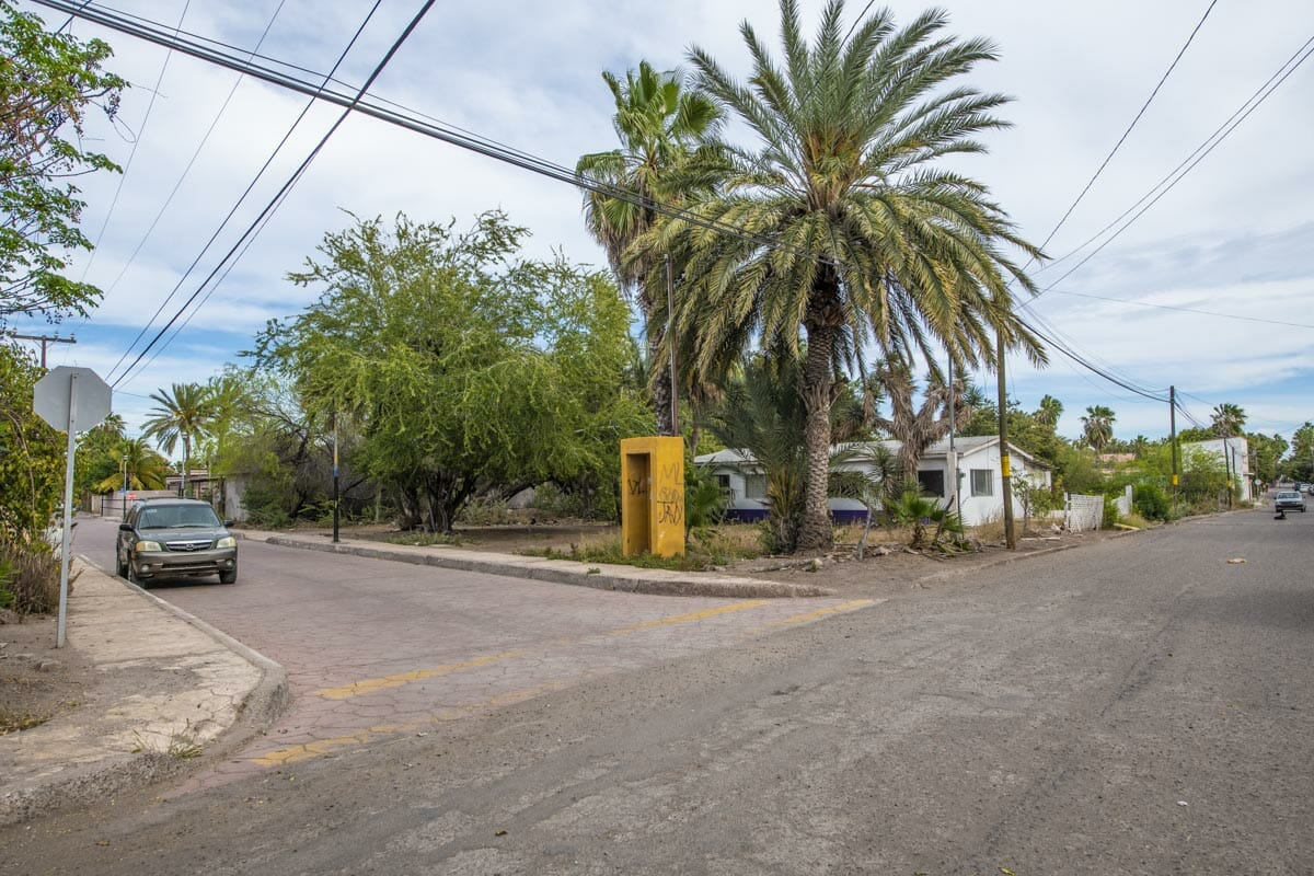 Large Lot in good location ready to build or subdivide in Loreto: Corner of Misioneros y Atanasio Carrillo. View 2