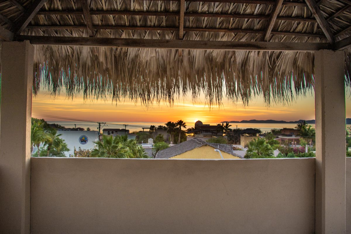 2 Bed 2 Bath 2 Blocks Away from the Beach in Loreto: gorgeous sunrises