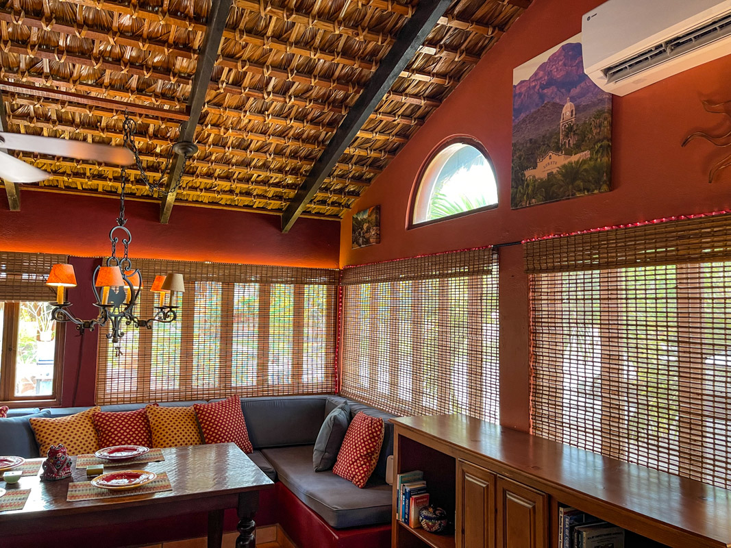 2 bed/2bath casa in private community: dinning area.